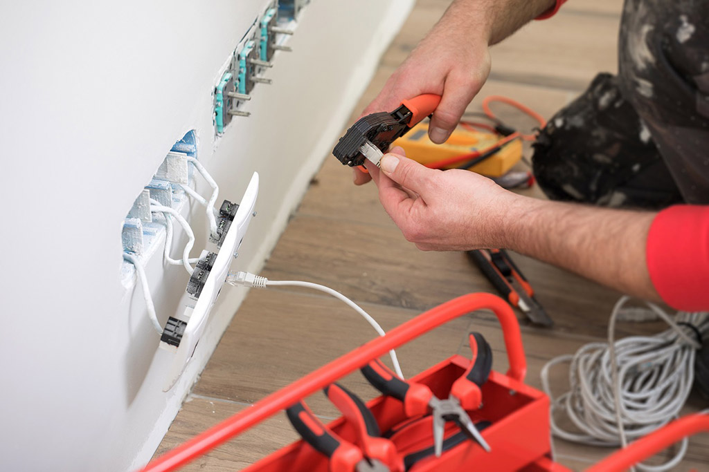 electrical contractors in Hicksville, NY